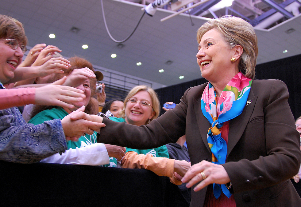 Hillary Clinton Reassures Gay Youth in Viral Facebook Photo